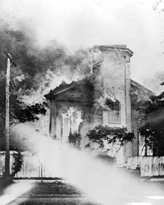 House burning, 1901 Moss Fire